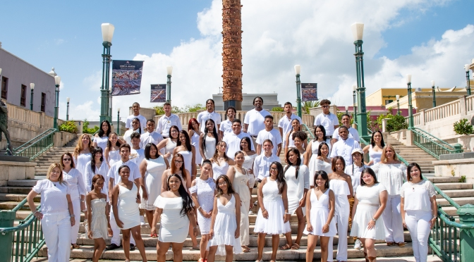 Esc. Dr. Facundo Bueso/ Foto grupal de Graduación